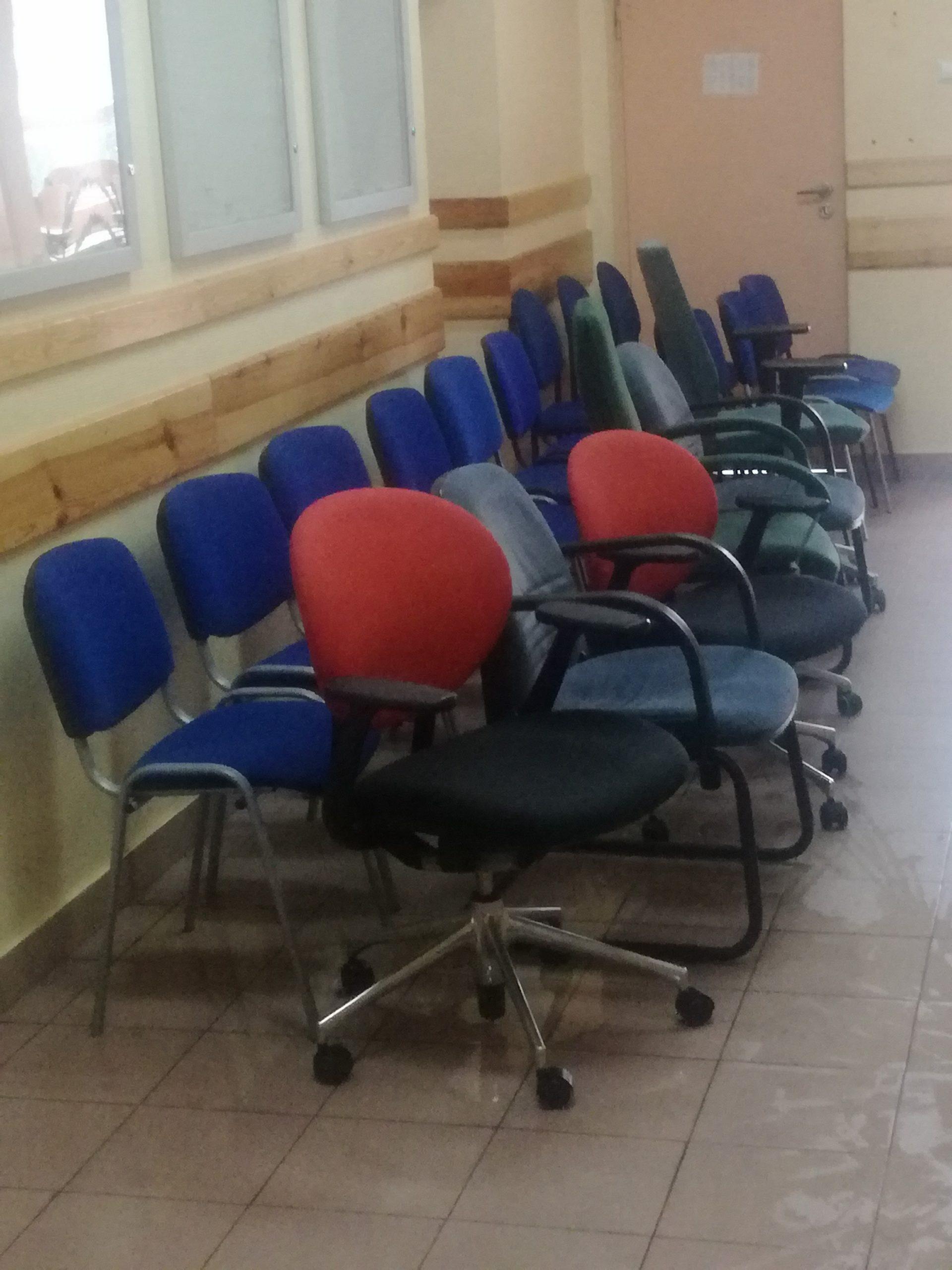 Pranie foteli biurowych Warszawa i okolice